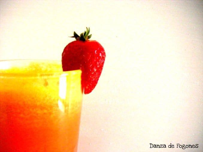 Licuado de Piña, Naranja, Fresa y Pera