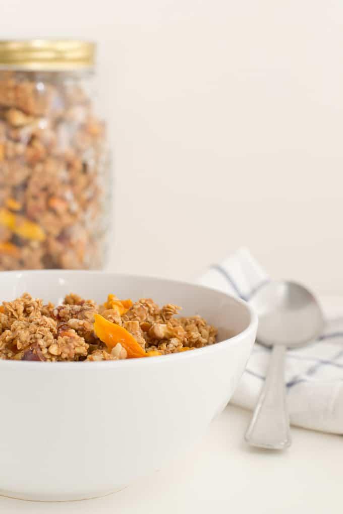Como hacer granola-via-danzadefogone.com #vegan #healthy #breakfast
