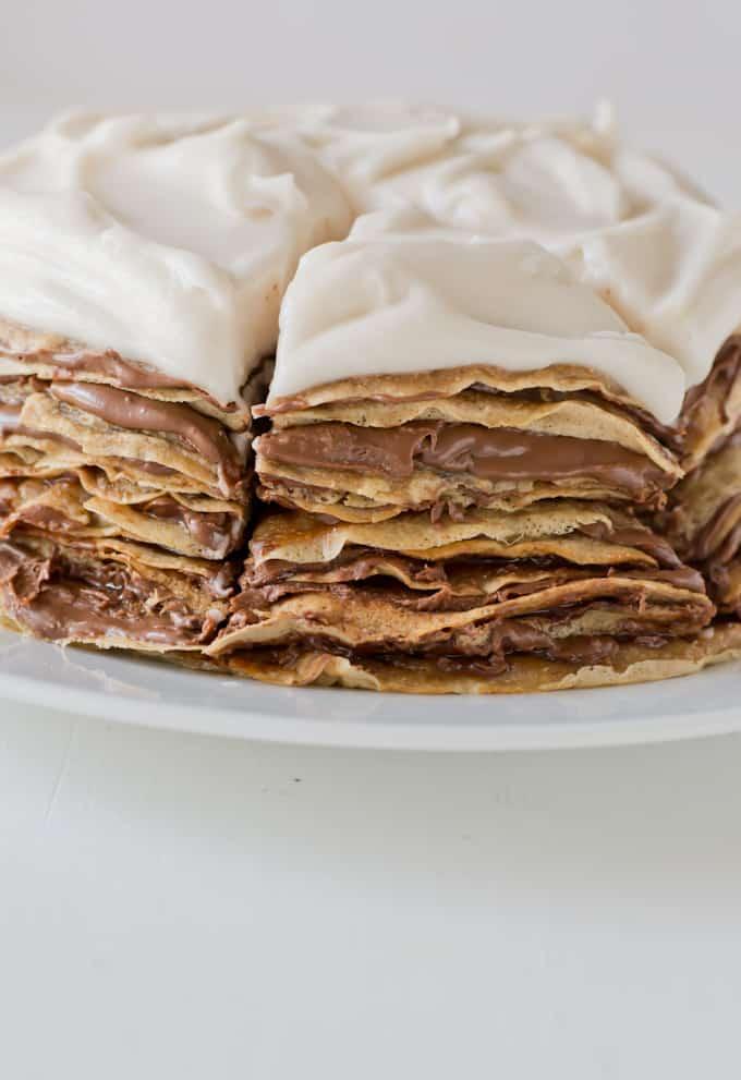 Tarta de crepes nocilla y crema