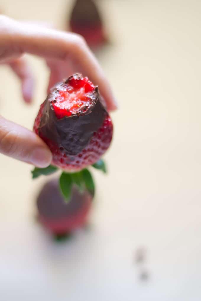 Fresas con chocolate via danzadefogones.com