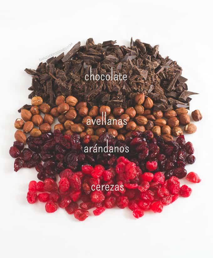 Chocolate, avellanas, arandanos y cerezas | danzadefogones.com