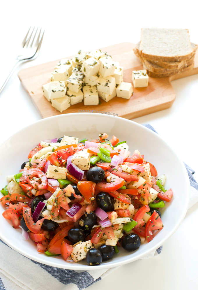 Ensalada griega vegana | danzadefogones.com #danzadefogones #singluten #vegano #vegana #receta