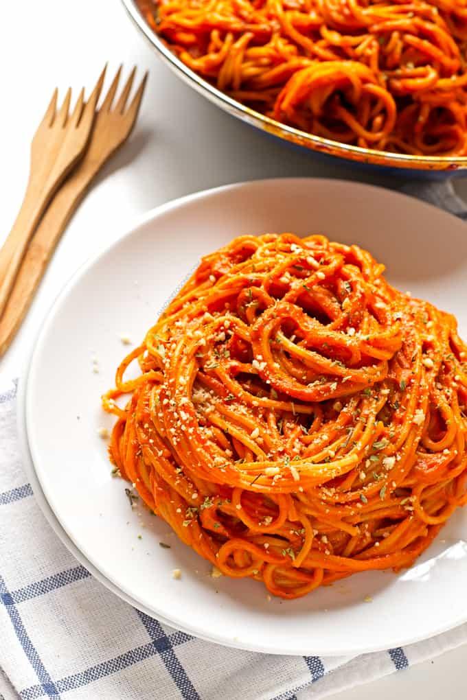 Pasta-con-salsa-de-pimientos-del-Piquillo-3