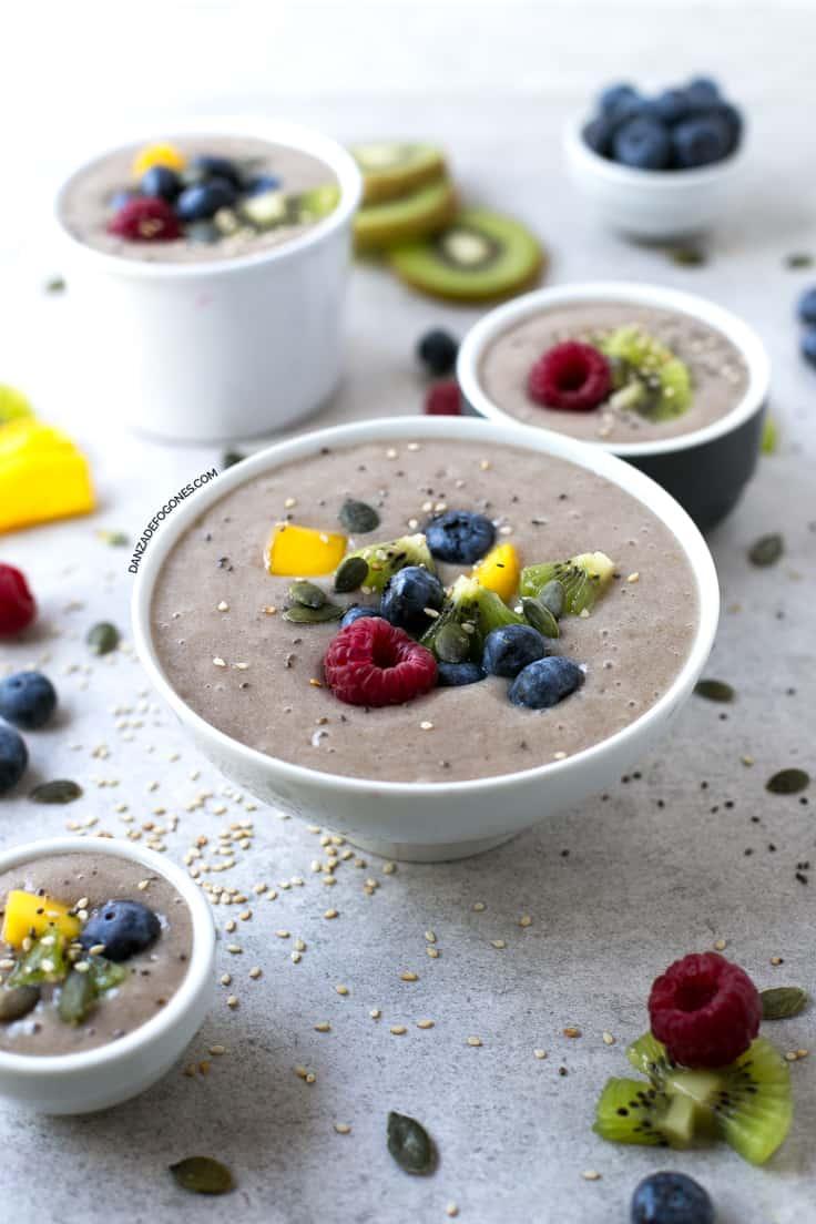 Smoothie bowl arcoiris | danzadefogones.com #vegan #vegano