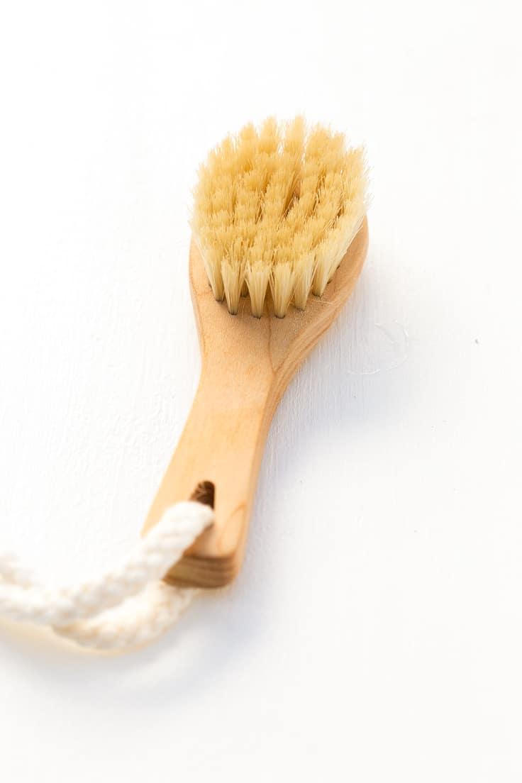 Cepillo Para Exfoliación Facial Natural - Estos exfoliantes son alternativas naturales y sanas a los exfoliantes comerciales y están hechos con ingredientes 100% naturales.