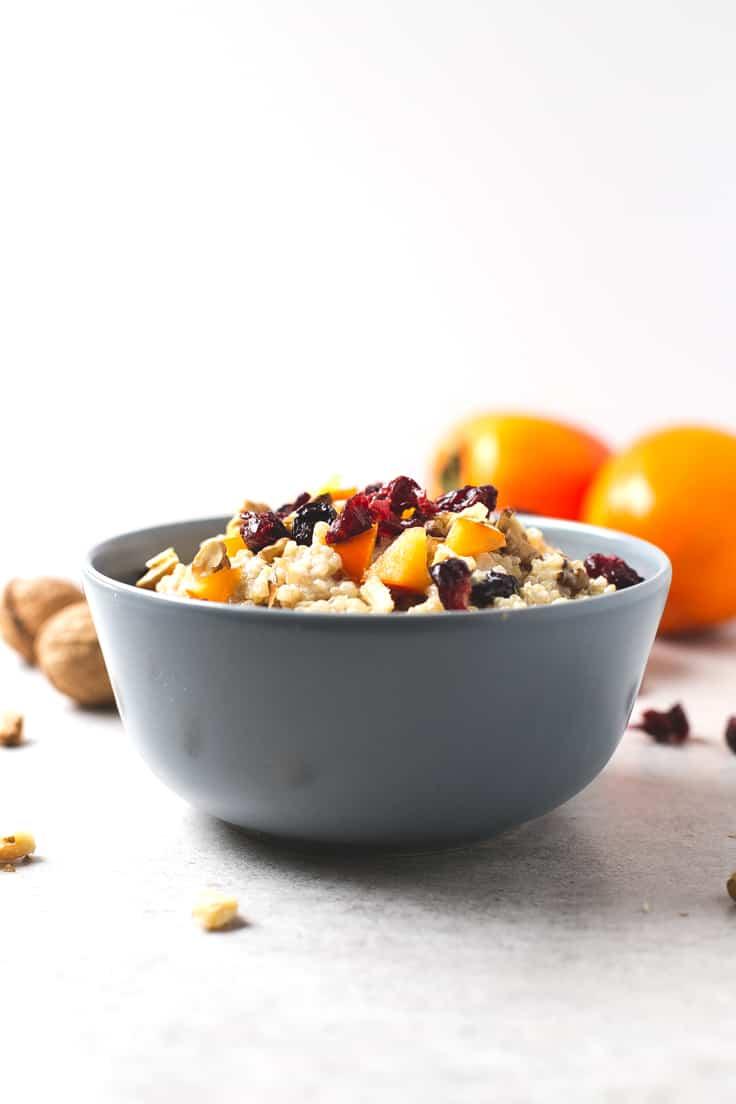 Desayuno de quinoa - Esta vez he preparado mis gachas de avena con quinoa y ha salido este desayuno de quinoa tan rico, apto para celíacos y personas que no pueden tomar avena.