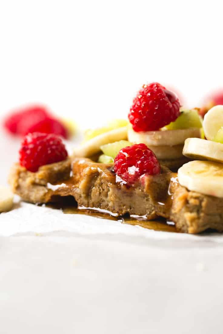 Gofres veganos - Los gofres o waffles veganos son muy fáciles de preparar y sólo hacen falta 4 ingredientes, son ricos y muy saludables, ideales si tienes un antojo dulce.