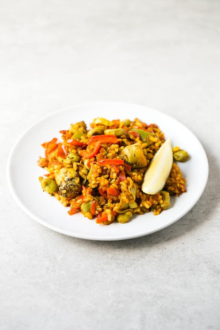 Receta de arroz vegano - Este arroz con verduras es un plato muy sabroso, ideal para los fines de semana o si os apetece un plato rico y nutritivo.