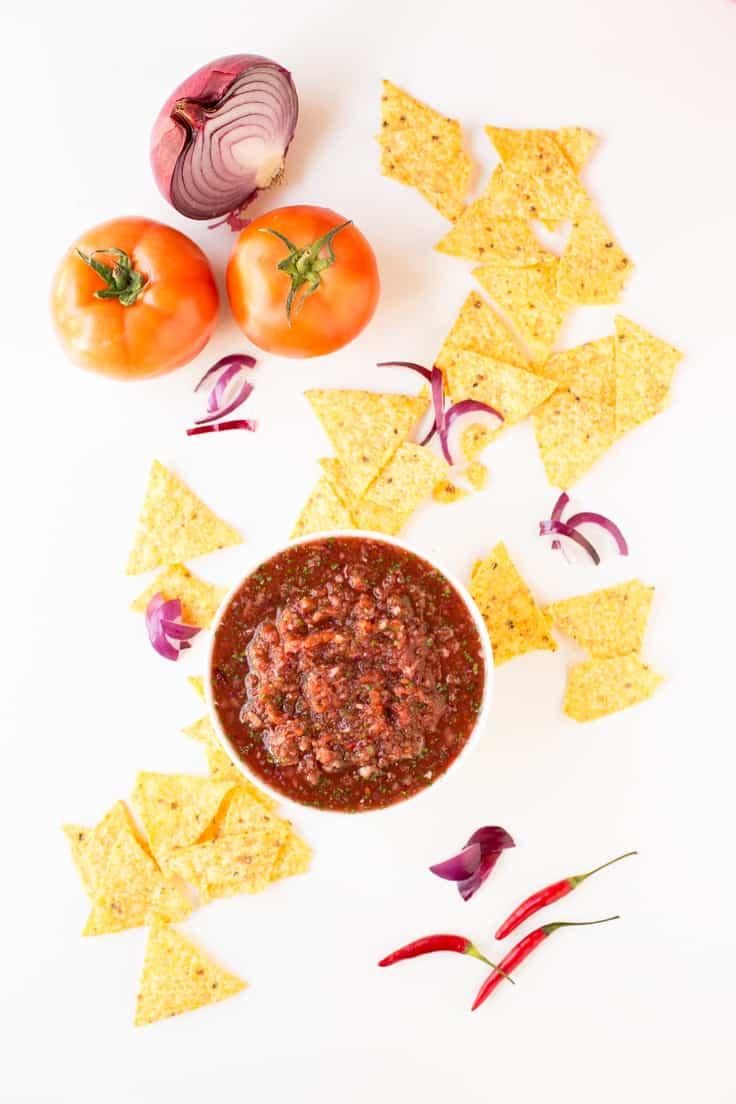 Salsa Casera Con Nachos - Una salsa muy sabrosa que se prepara en menos de 10 minutos. ¡Sólo tienes que batir!