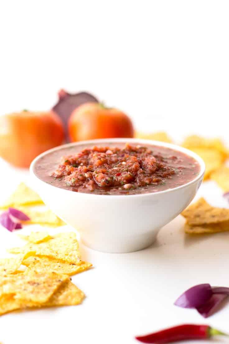 Salsa Mexicana Casera - Una salsa muy sabrosa que se prepara en menos de 10 minutos. ¡Sólo tienes que batir!