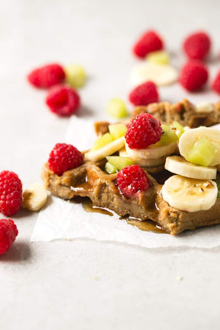 Waffles veganos - Los gofres o waffles veganos son muy fáciles de preparar y sólo hacen falta 4 ingredientes, son ricos y muy saludables, ideales si tienes un antojo dulce.