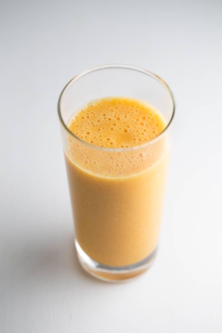 Batido o licuado para mejorar la digestión - Este batido o licuado para mejorar la digestión es perfecto por las propiedades de sus ingredientes. Es una receta muy fácil, que está lista en 5 minutos.