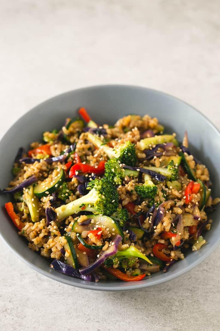 Wok de arroz integral con verduras