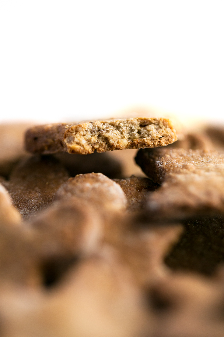 Galletas veganas sin gluten - Estas galletas de jengibre veganas y sin gluten son un dulce navideño muy saludable y fácil de preparar.