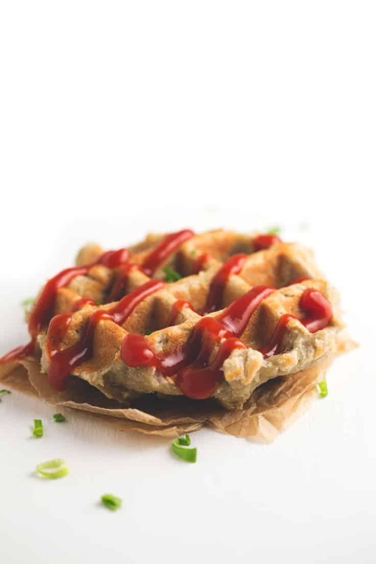 Gofres de patata veganos y sin gluten - Estos gofres de patata veganos y sin gluten son muy sanos y nutritivos e ideales para llevar en una fiambrera al colegio o al trabajo. Además, se pueden congelar.