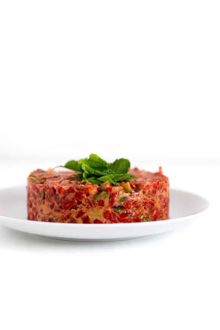Tartar vegetariano - Este tartar vegetariano es perfecto para el verano porque es muy refrescante y sencillo. Podéis tomarlo como entrante, guarnición o primer plato.