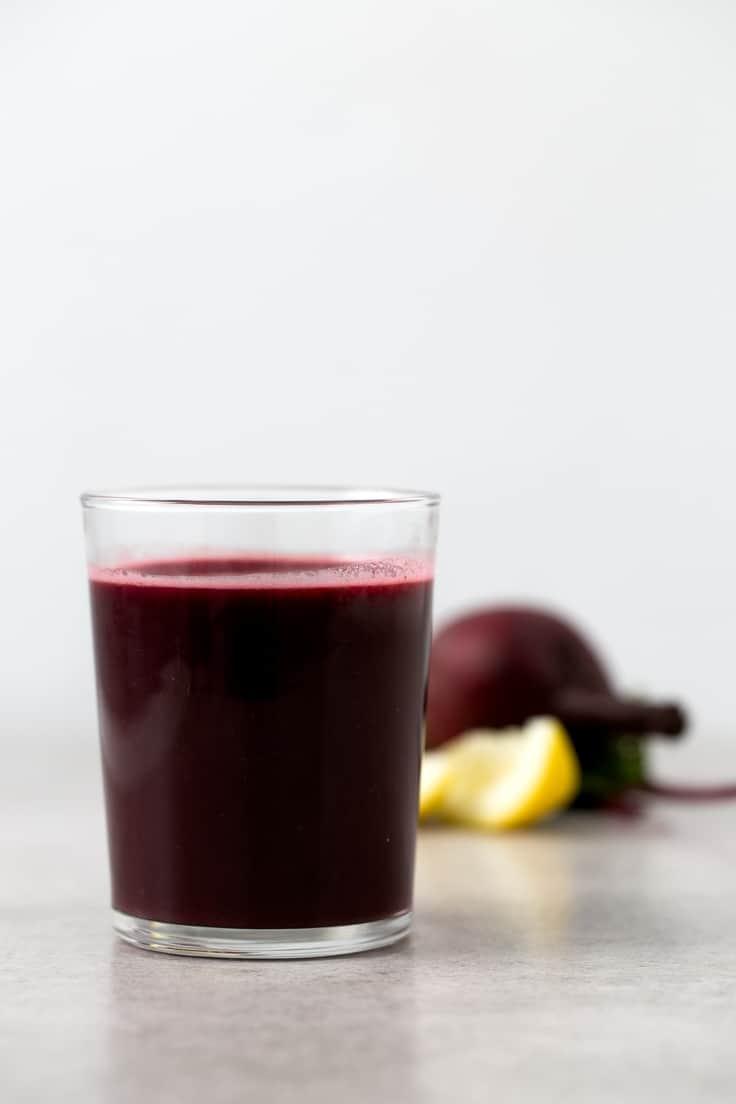 Zumo o jugo contra la anemia - Este zumo o jugo nos puede ayudar a prevenir y combatir la anemia desde dentro. Tiene un elevado contenido de hierro y de vitamina C y además está delicioso.