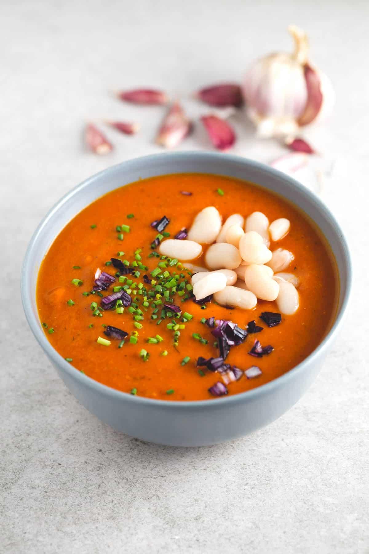 Sopa de Tomate y Alubias