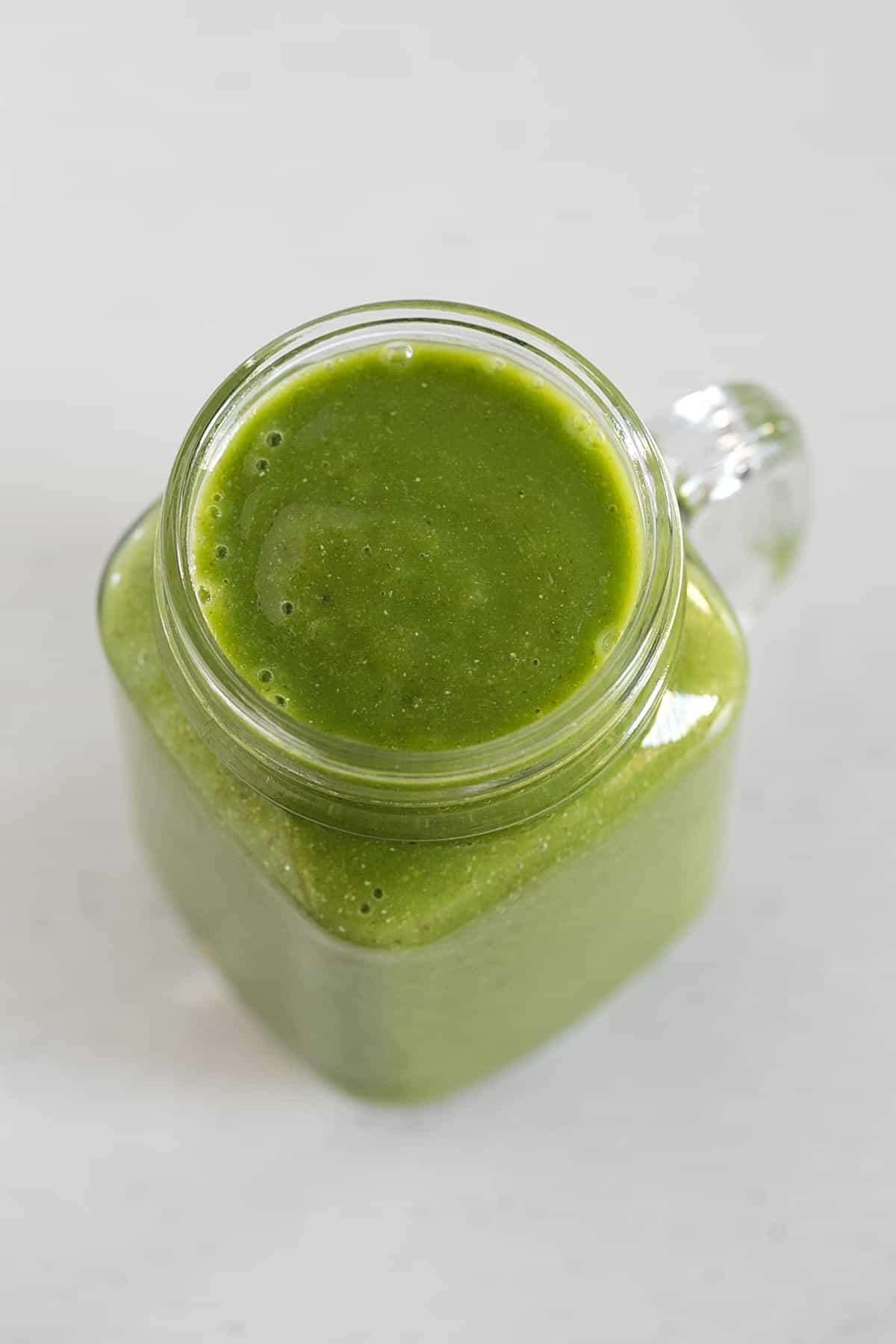 Batido o Licuado Verde de Otoño - Este batido o licuado verde de otoño es una forma perfecta de incorporar frutas y verduras en nuestra dieta. Está hecho con ingredientes de temporada.