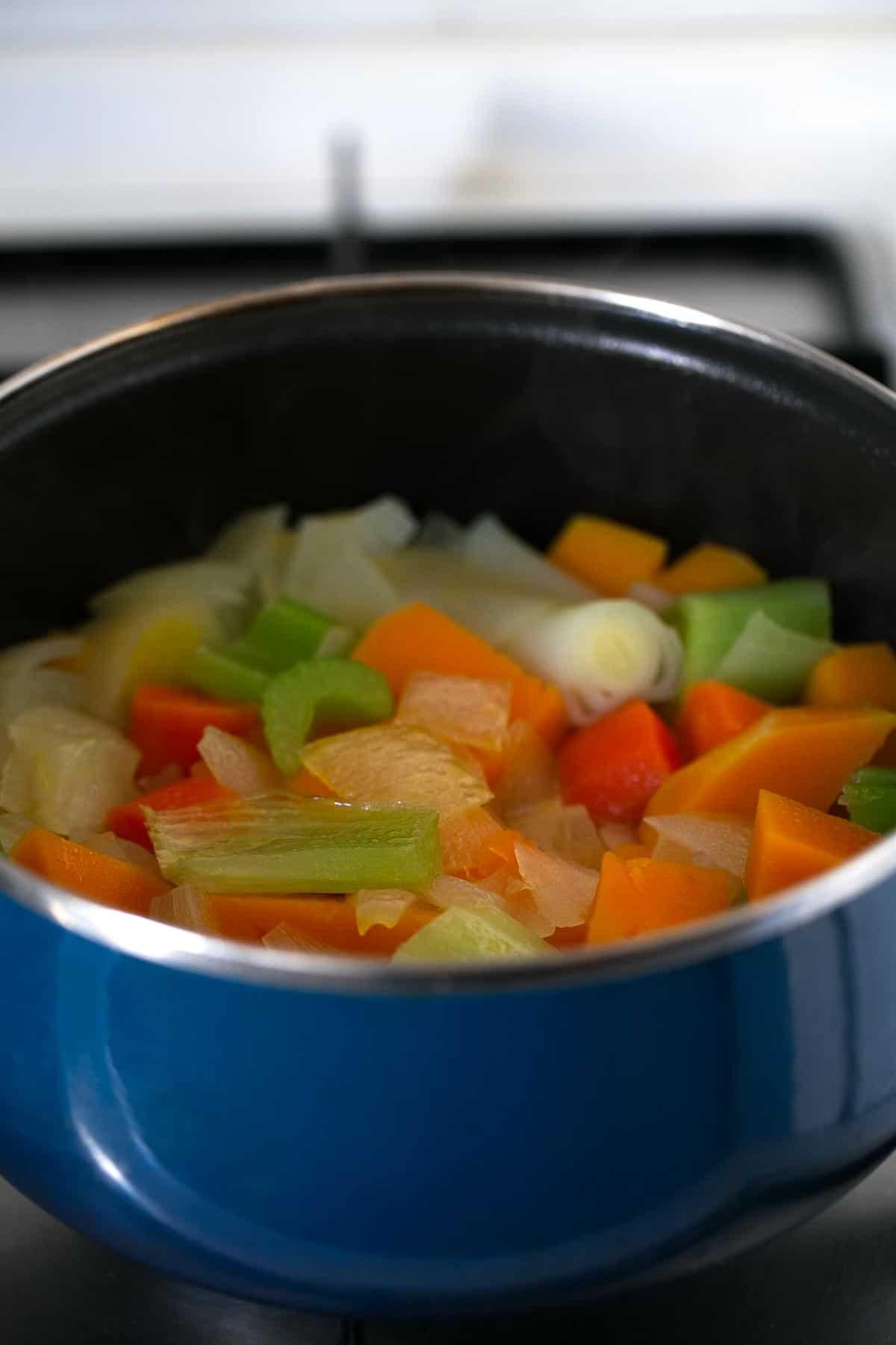 Crema de Verduras. - Hacer cremas de verduras es muy fácil y están riquísimas. En esta entrada os enseño mis trucos para llevarlas al siguiente nivel.