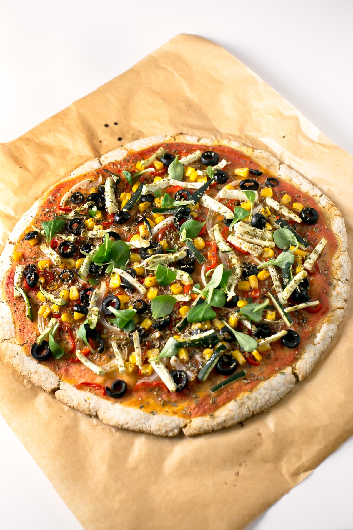 Pizza Sin Gluten Con Verduras. - Esta pizza sin gluten con verduras está para chuparse los dedos. Es una receta muy simple y merece la pena al 100%.