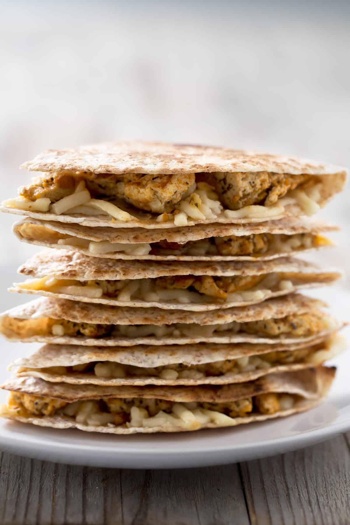Quesadillas Veganas.- Estas quesadillas veganas están demasiado ricas y se preparan en un momento. No son para todos los días, pero os garantizo que os van a encantar.