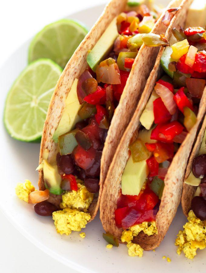 Tacos Veganos de Desayuno. - Si os apetece una desayuno diferente, os invito a que probéis estos tacos veganos. También se pueden tomar para comer o cenar y están listos en 30 minutos.