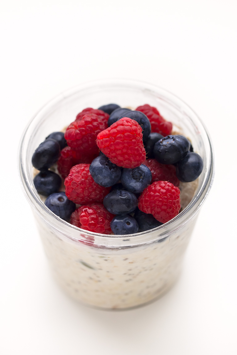 Bircher Muesli Vegano. - El bircher muesli vegano es una receta saludable, rápida, rica y fácil, perfecta para desayunar en el día a día y se le puede echar cualquier ingrediente.