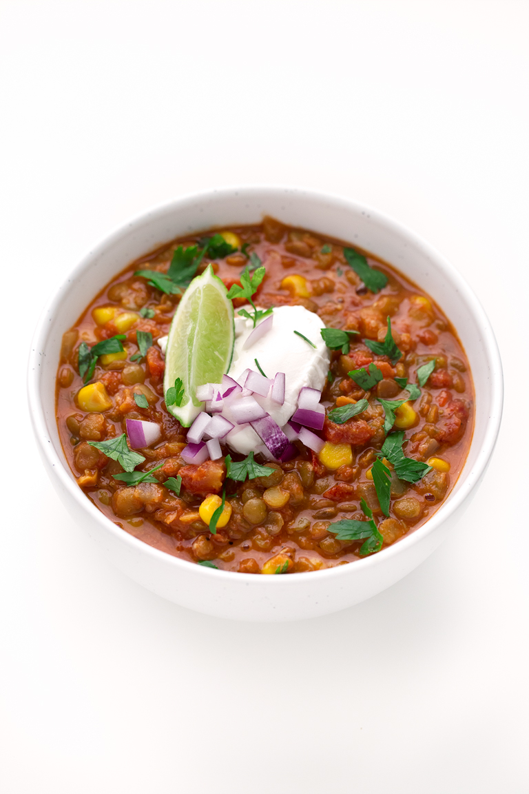 Chili de Lentejas. - Para preparar este chili de lentejas sólo necesitas una olla y es un plato muy nutritivo y saciante. Nosotros lo servimos con arroz y/o con verduras.