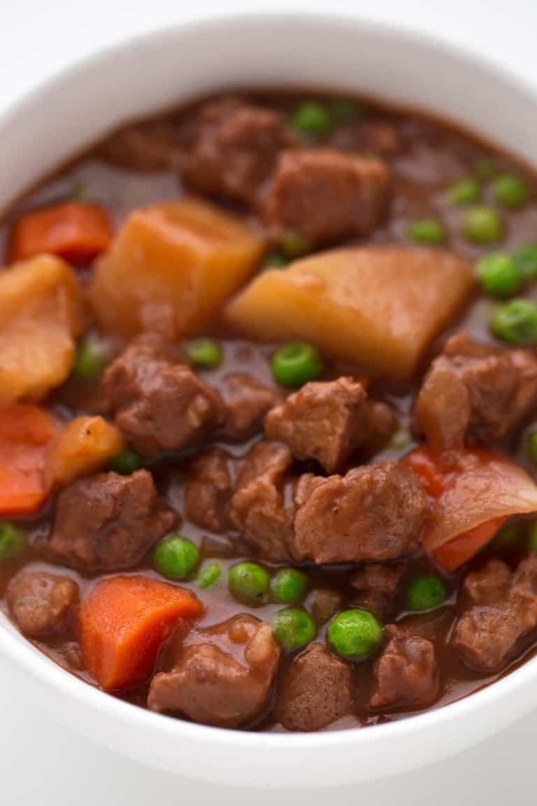 Estofado Vegano de Soja Texturizada - Estofado vegano de soja texturizada al estilo tradicional, pero en versión 100% vegetal y sin aceite. Es un plato rico en proteína y una comida muy completa.