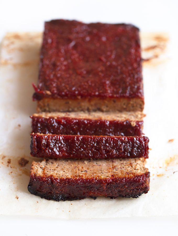 Pastel de Carne Vegano - Este pastel de carne vegano es perfecto como plato principal, no tiene gluten y se puede tomar tanto caliente como frío. Es ideal para celebraciones.