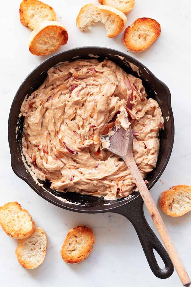 Dip Vegano de Cebolla Caramelizada