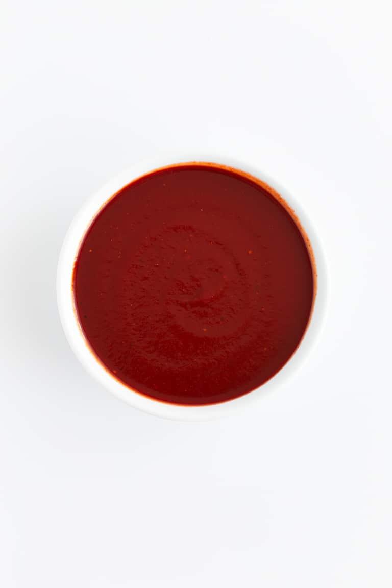 Cómo Hacer Salsa Barbacoa - Cómo hacer salsa barbacoa saludable, con tan sólo 10 ingredientes y en 20 minutos. Es perfecta para acompañar papatas, hamburguesas, o para lo que quieras. #vegano #singluten #danzadefogones