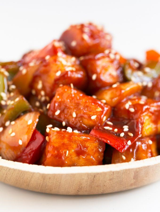 Tofu Agridulce. - Este tofu agridulce es la versión vegetal del popular cerdo agridulce de los restaurantes chinos. Es más sano y tiene menos grasa. #vegano #singluten #danzadefogones