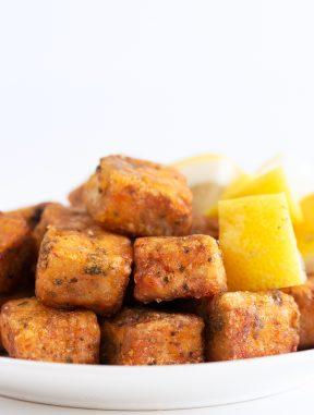Tofu en Adobo. - El tofu en adobo es la versión vegana del cazón en adobo, una receta andaluza muy sabrosa. El alga nori se encarga de aportarle el sabor a mar. #vegano #singluten #danzadefogones