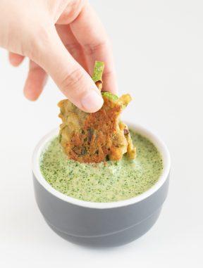 Chutney Verde. - El chutney verde es una salsa típica de la gastronomía india, perfecta para acompañar cualquier receta de esta cocina o como aperitivo. #vegano #singluten #danzadefogones
