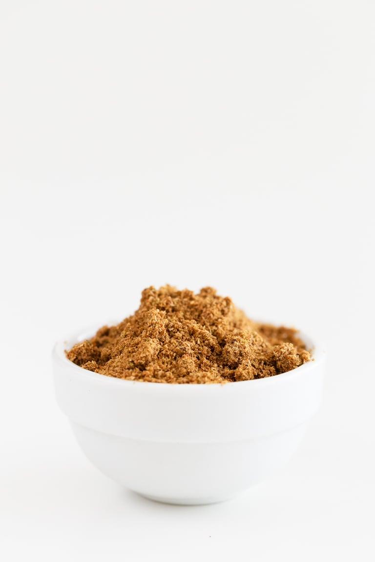 Cómo Hacer Garam Masala. - Cómo hacer garam masala, una especia básica en la cocina india. La versión casera es más económica y se prepara en un momento. #vegano #singluten #danzadefogones