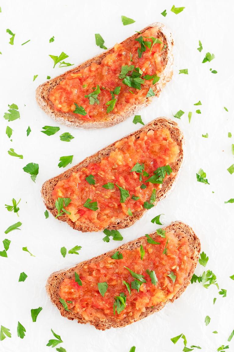 Cómo Hacer Pan con Tomate