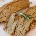 Foto cuadrada de un plato de pavo vegano