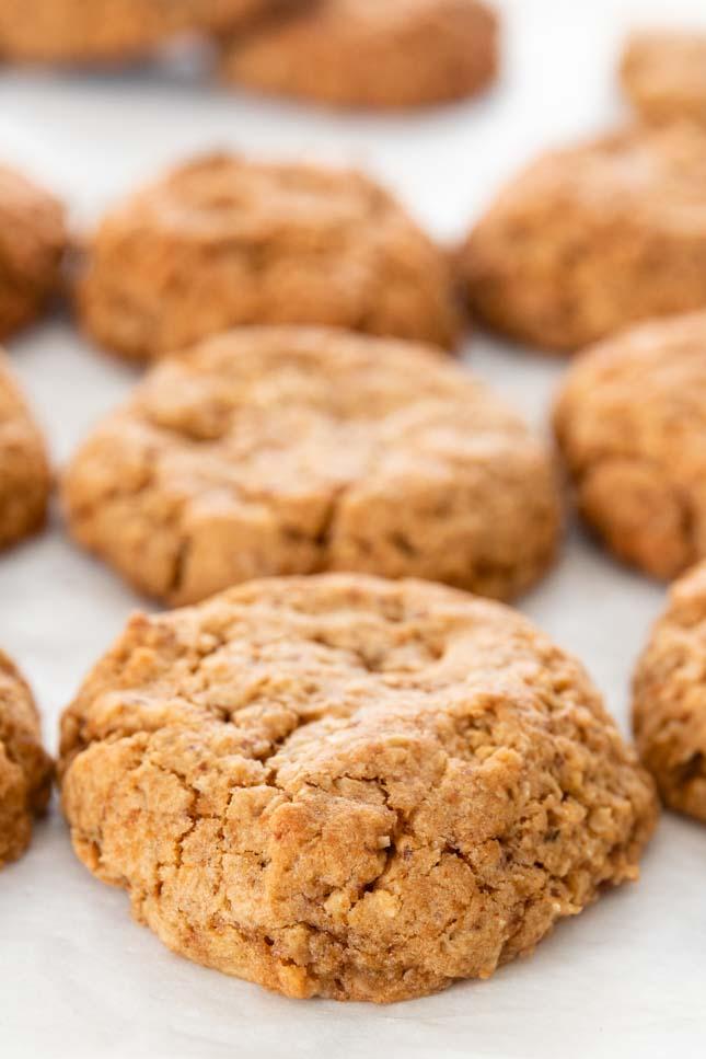 Foto de cerca de algunas galletas de avena