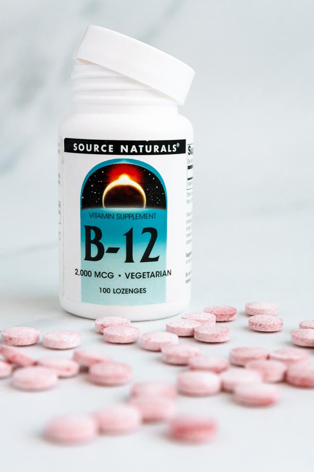 Foto de un bote de vitamina b12